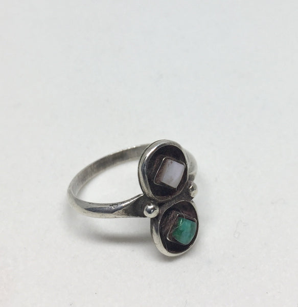 Vintage Silver Zuni Mother of pearl Turquoise Ring