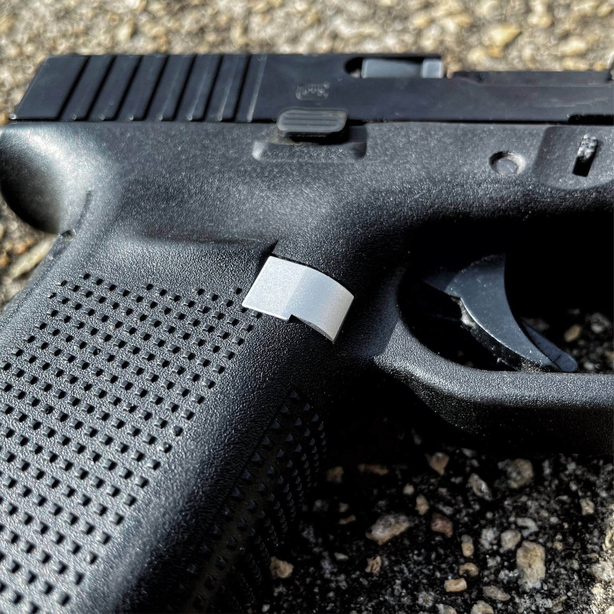 Black - For Glock Gen 4-5 9mm/.40cal - Extended Mag Release
