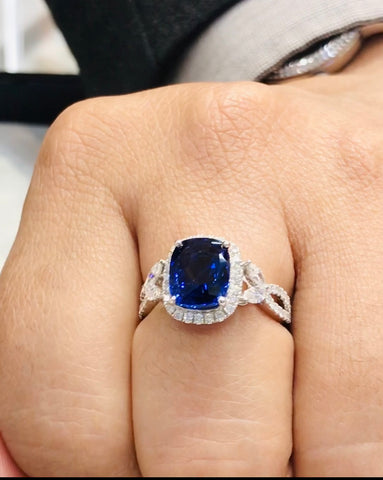 royal+blue+sapphire+halo+vintage+nature+inspired+diamond+engagement+ring+white+gold