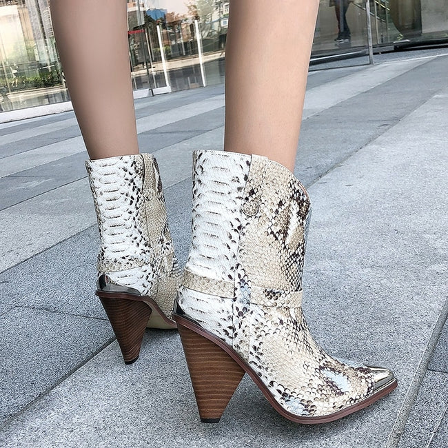 2019 Spring/Autumn Chic Leather Ankle Boots Women Metal Pointed Toe Tassel Strange High Heel Boots Woman Fashion Western Boots