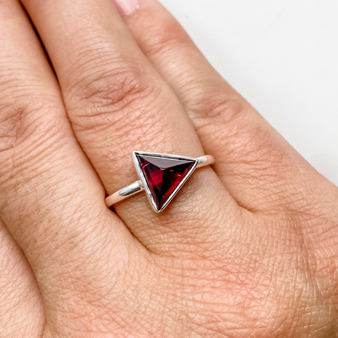 Ring garnet triangle sterling silver