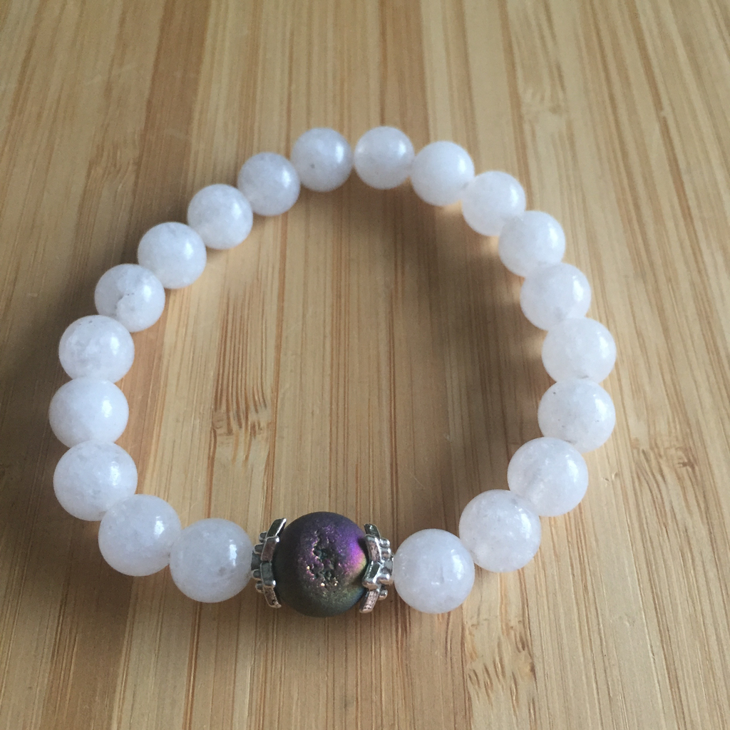 Bracelet 8mm snow quartz & druzy bead
