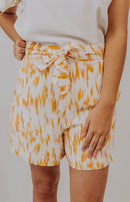 Endless Rose: Set the Standard Tailored Shorts - Pale Yellow