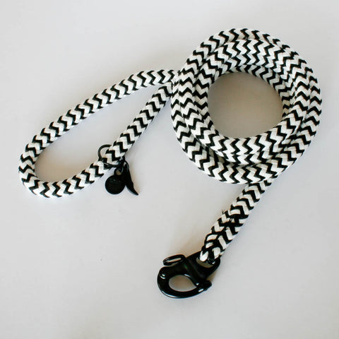 The Heritage Collection Black & White Leash | Small Dog