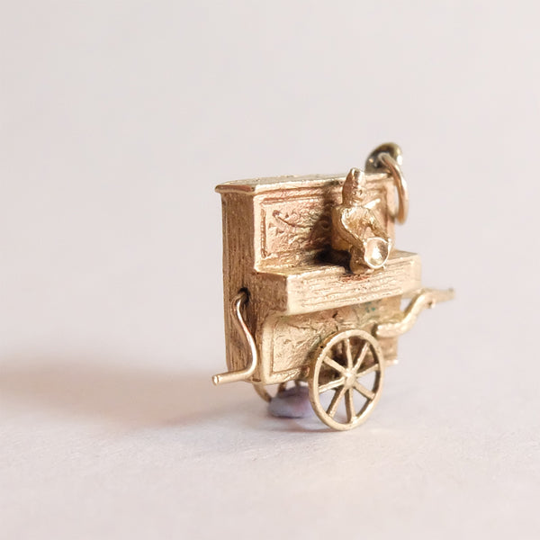 Vintage 9ct Gold Charm - Piano Music Box Charm - front