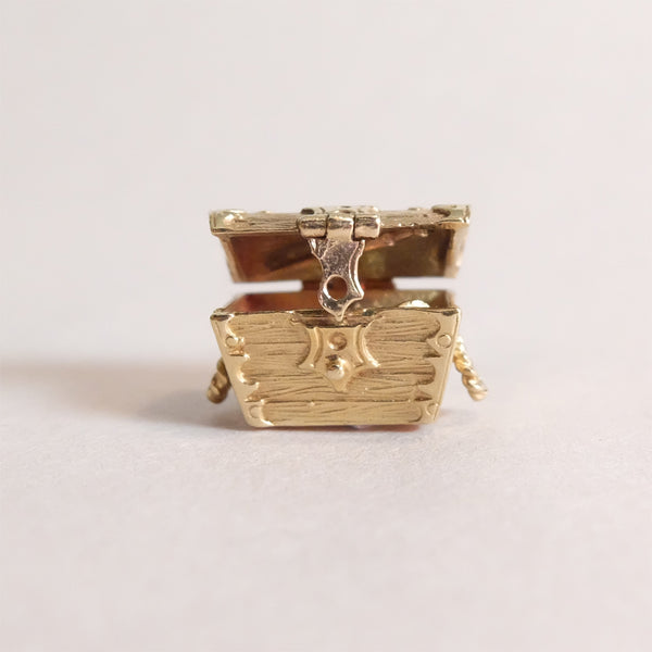 Vintage 9ct Gold Charm - Treasure Chest - opening