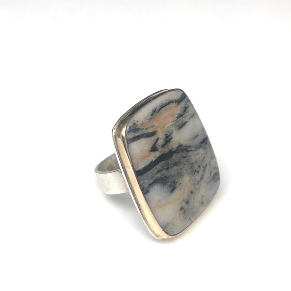 ZEBRA STRIPED GEMSTONE RING SET IN 9CT GOLD & STERLING SILVER