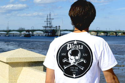 PIRATA Skull & Crossbones Graphic T-Shirt