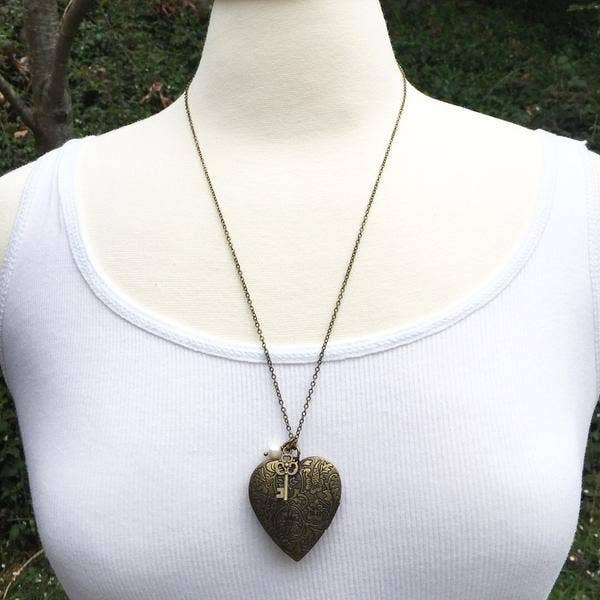 Handmade Vintage Style Floral Heart Locket Necklace