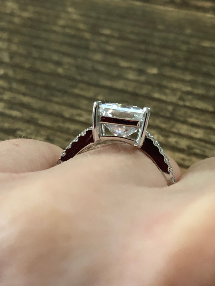 4CT Emerald Cut Moissanite Diamond Solitaire Engagement Ring - Joy of London Jewels