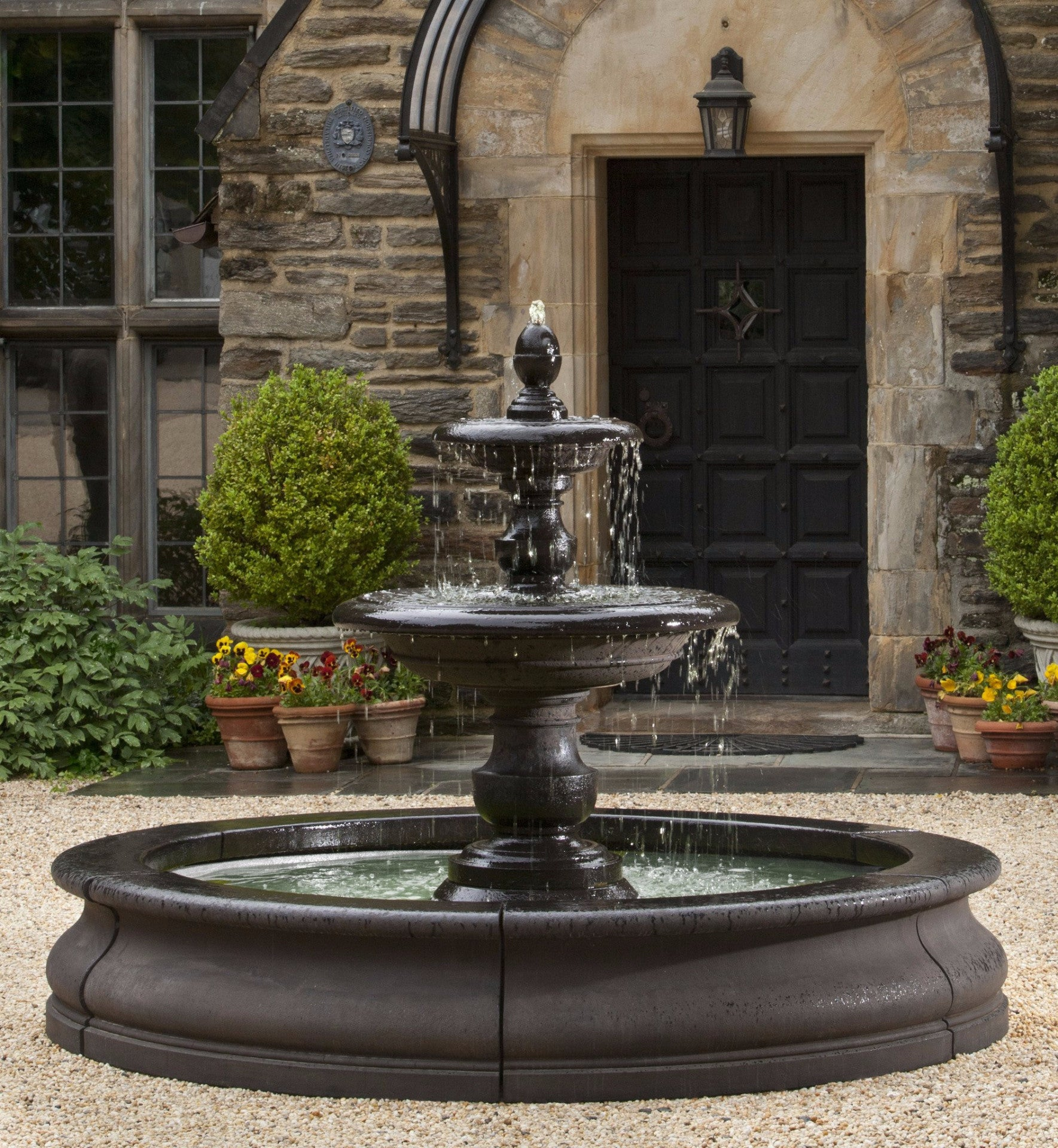 Caterina outdoor water fountain in basin by campania for Outdoor wall fountains