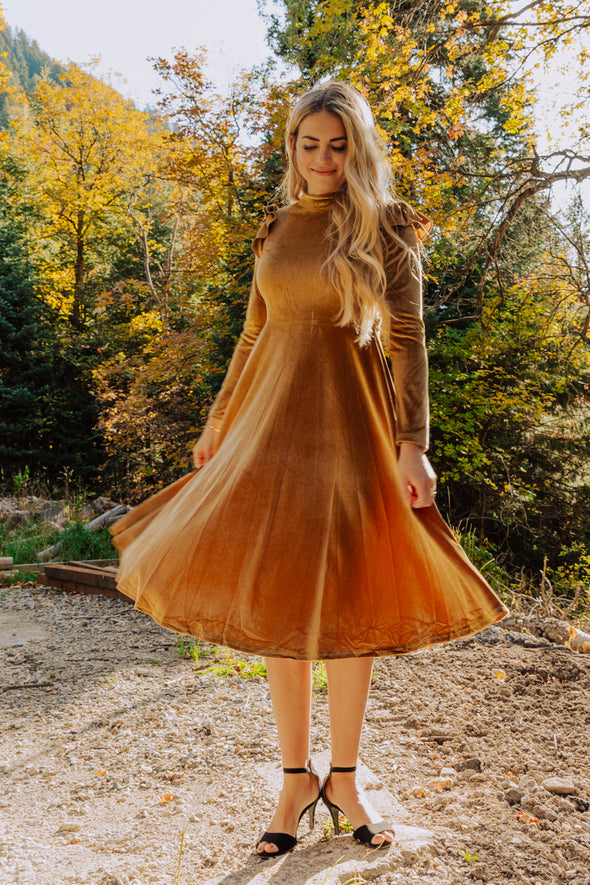La La Lady Dress In Gold