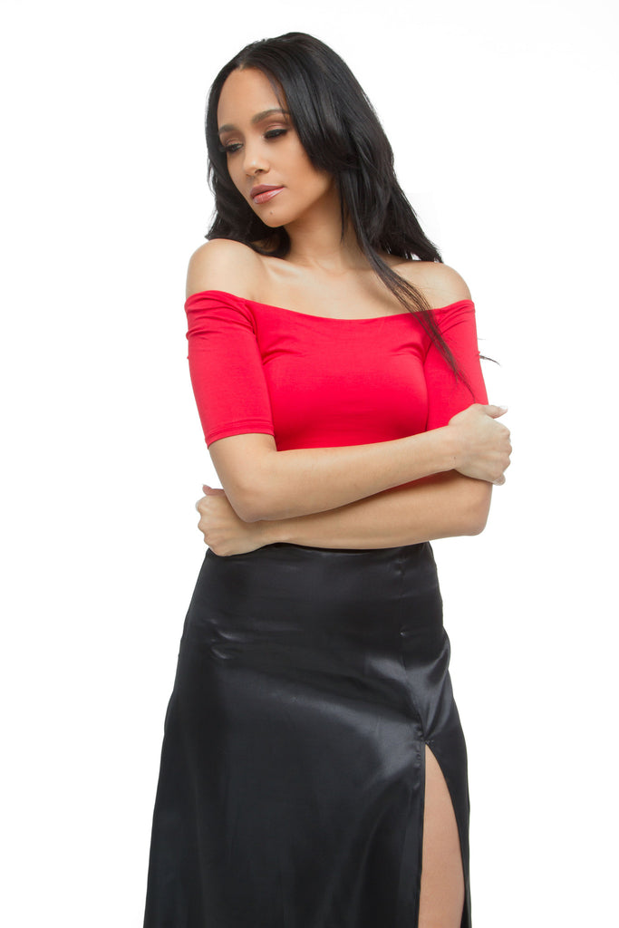 THE MYSTYLEMODE RED OFF THE SHOULDER 3/4 SLEEVE DOUBLE LINED CROP TOP