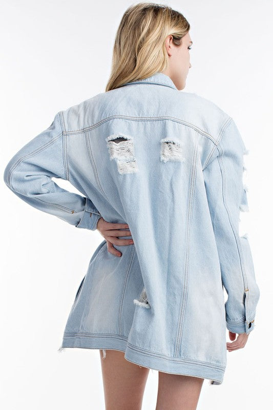 THE MYSTYLEMODE LIGHT WASH DISTRESSED DENIM OVERSIZED JEAN JACKET