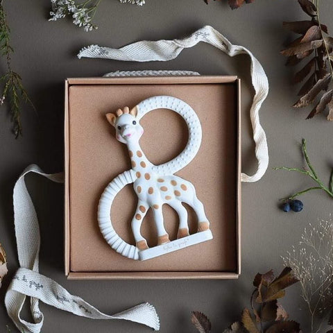 sophie the giraffe teething toy that will sooth your baby's teething pain