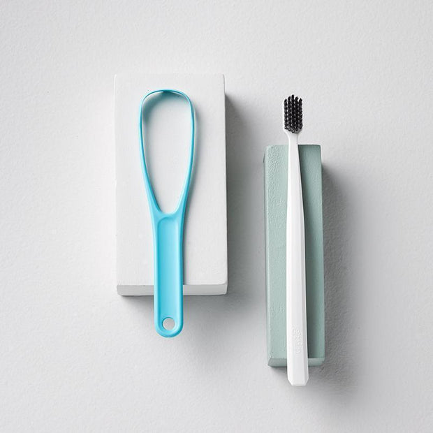 Single tongue cleaner+ single toothbrush
