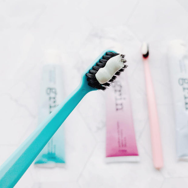 Grin Charcoal-Infused Bio Toothbrush - Grin Mint - Grin Natural Products