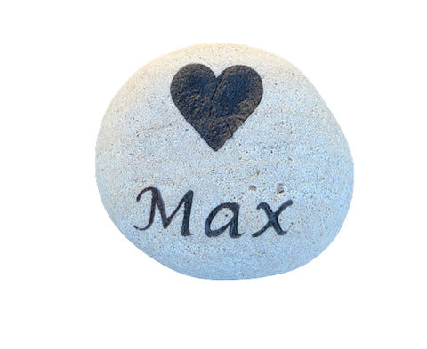 Garden Stone Rock with Heart 4-5 Inch