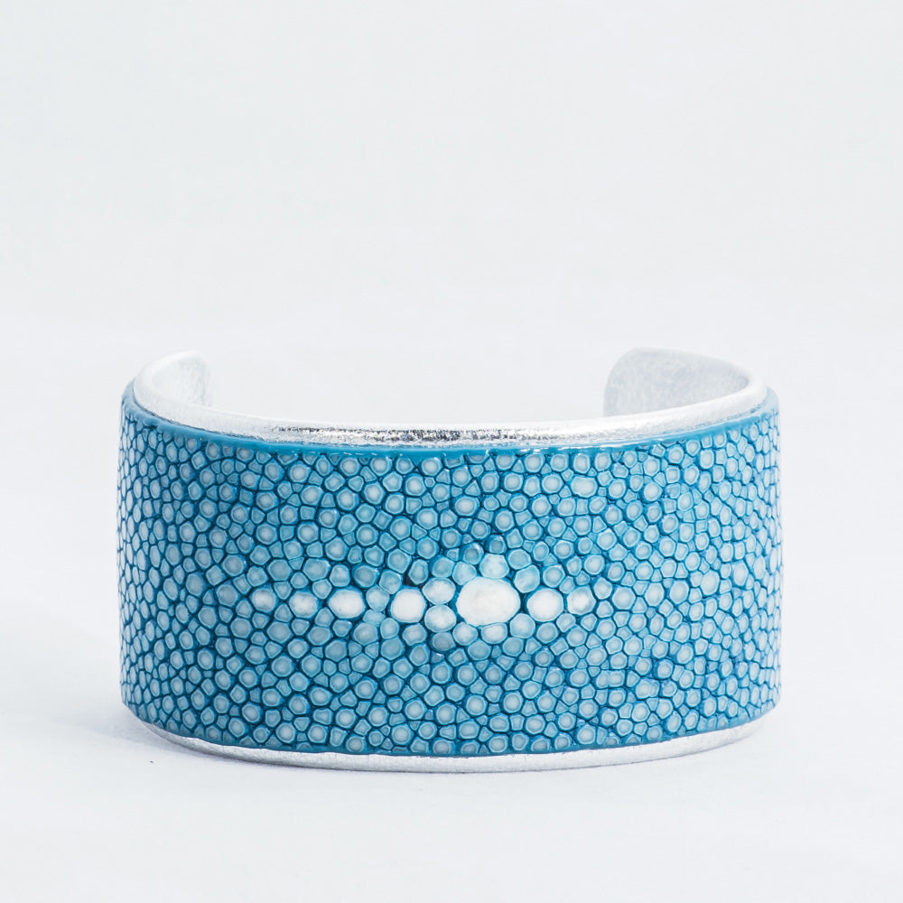 "1.5"" Aqua Polished Pearl with Silver Liner Cuff"