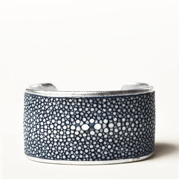 "1.5"" Navy Polished Pearl Cuff with Silver Liner"