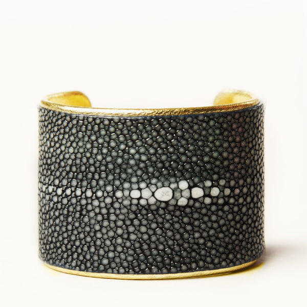 "2"" Black Polished Pearl Cuff with Gold Liner"