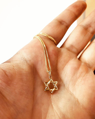 Rounded Interwoven Star of David Gold Pendant