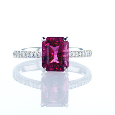 'Rosy' Ring With 2.90 ct Pink Tourmaline & Diamonds