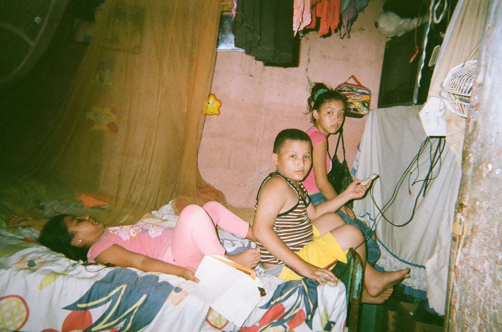 kids on a bed in Nicaragua