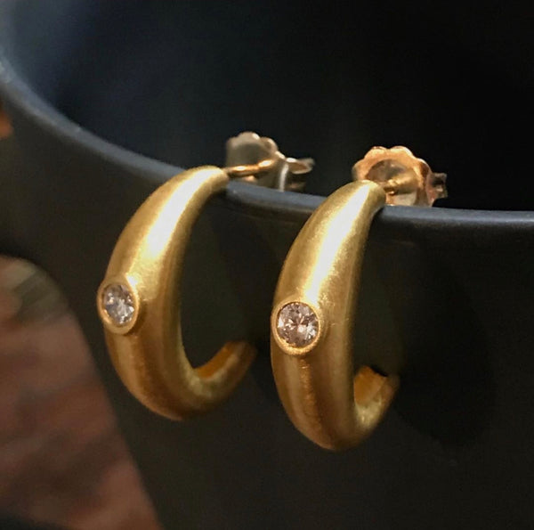 22k or 18k Kelly Hoops - The Perfect Everyday Hoops