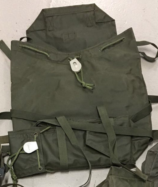 1972 PATTERN NYLON REAR PACK - Silvermans  - 4