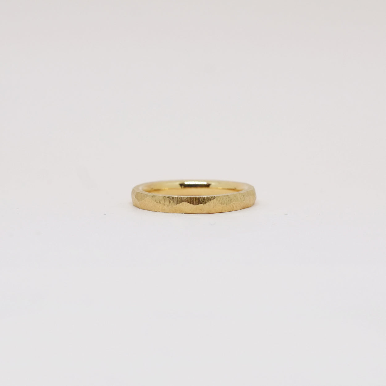 Carved Band 2.5mm (14kt | 18kt Gold)