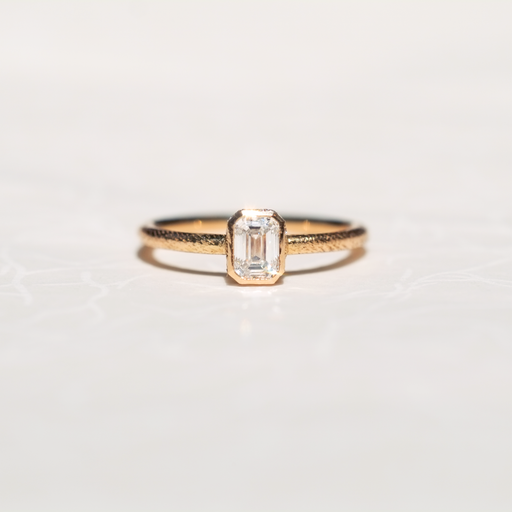 Linen Ring, 0.4ct Diamond 18kt Gold