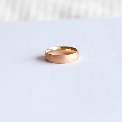 Low Dome 5mm Band (9kt | 14kt | 18kt Gold)
