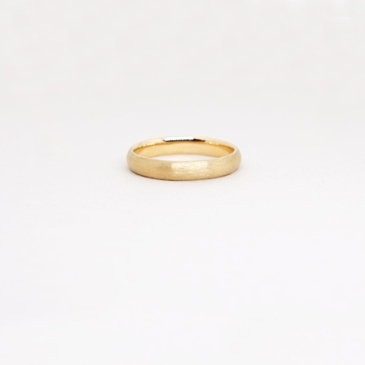 Low Dome 4mm Band (14kt | 18 kt Gold)