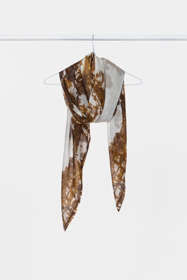silk-scarf-white-gold