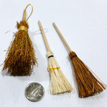 Broom - M&M Montessori Materials