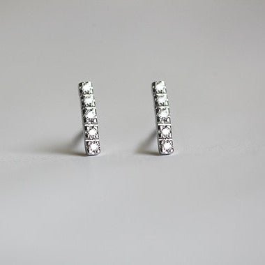Tiny Linear Diamond Studs