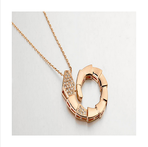 SNAKE SHAPE CRYSTAL NECKLACE