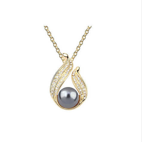 GOLD PLATED FRESH WATER PEARL CRYSTAL NECKLACE