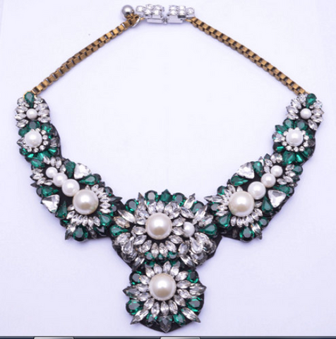 green crystal white pearl Luxury shourouk necklace