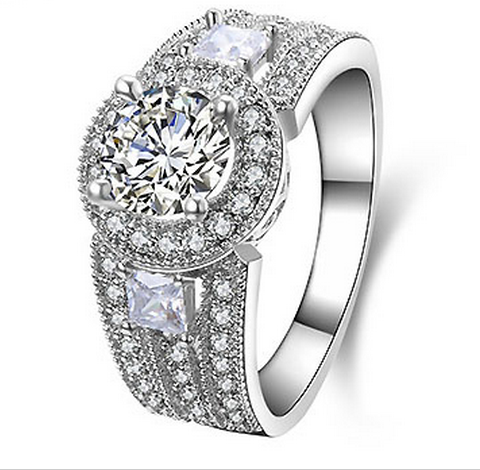 SILVER LUXURY CUBIC ZIRCONIA RING