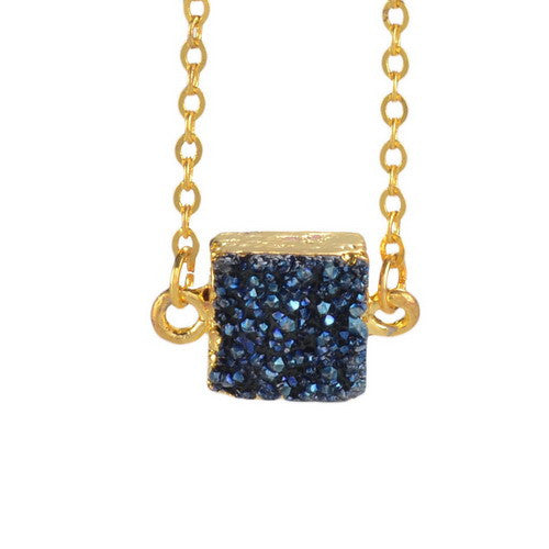 BLUE DRUZY STONE PENDANT NECKLACE
