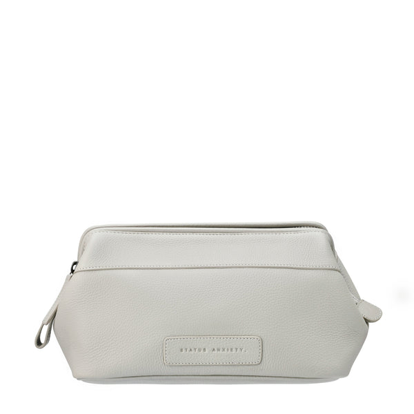 LIABILITY TOILETRIES BAG GREY