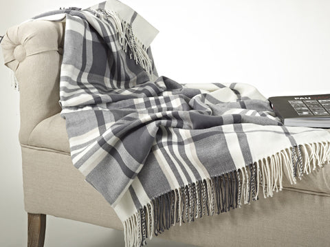 Plaid Design Throw