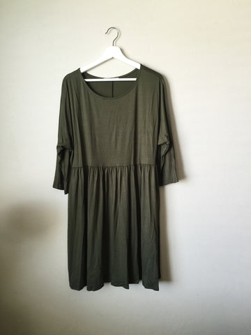 lady dress in olive