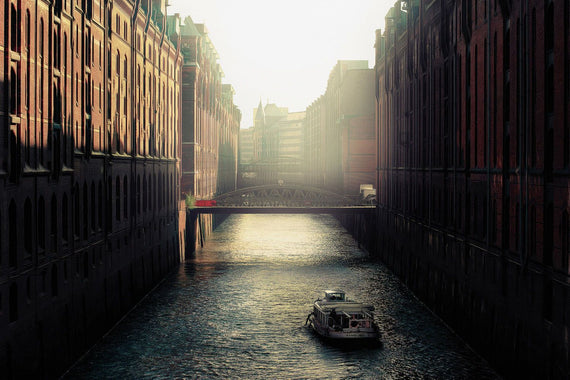 City Canal Canvas