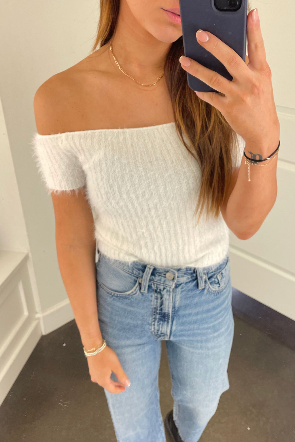 A Little bit Off Shoulder Top - White
