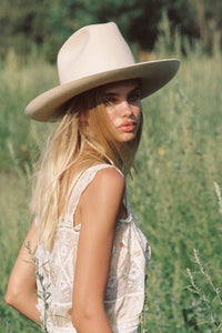 LACK OF COLOR | Goldfinger Western Hat - Ivory