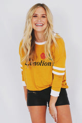 WILDFOX | L'emotion Moonlight Sweater - Golden