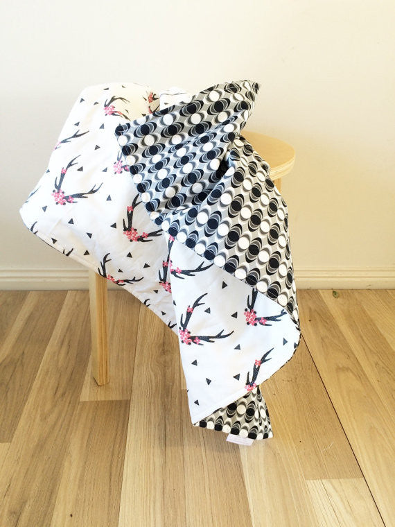 Black & Pink Antler / Black Oval reverse | Cot Quilt Blanket | Elske - Dream Child Emporium  - 2